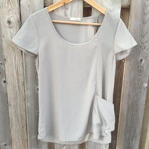 Everly grey top with side pocket - size M